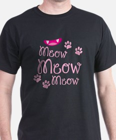 Meow Meow cute kitty face in pink T-Shirt