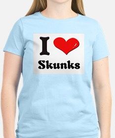 I love skunks T-Shirt