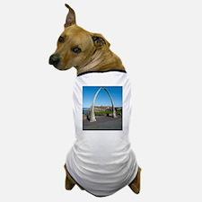 Whale bone monument at Whitby, Yorkshi Dog T-Shirt