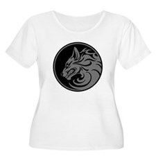 Growling Gray and Black Wolf Circle Plus Size T-Sh