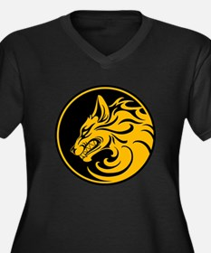 Growling Yellow and Black Wolf Circle Plus Size T-