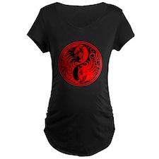 Red and Black Yin Yang Kittens Maternity T-Shirt