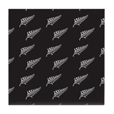 Silver fern tattoo pattern New Zealand kiwi design