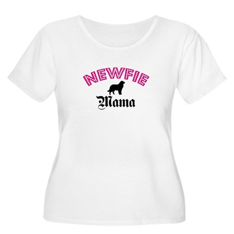 Newfie Mama Women's Plus Size Scoop Neck T-Shirt