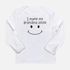 I Make My Grandma Smile Long Sleeve T-Shirt