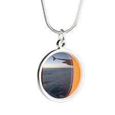 Window Silver Round Necklace