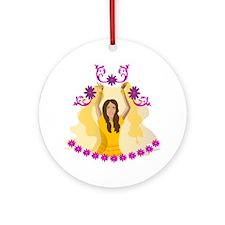 Bollywood Lady Ornament (Round)
