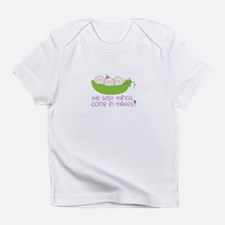 tHe best tHinGs come in tHRess! Infant T-Shirt