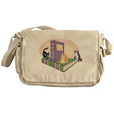 Kittys Tale Messenger Bag