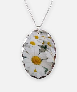 White Daisies Necklace