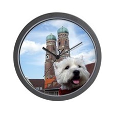 Nelly in München Wall Clock