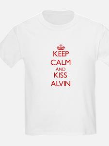 Keep Calm and Kiss Alvin T-Shirt