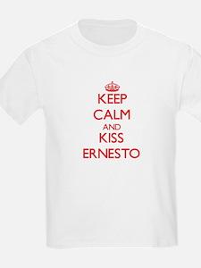 Keep Calm and Kiss Ernesto T-Shirt