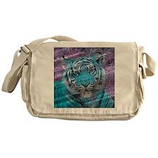 Crazy blue Tiger (C) Messenger Bag