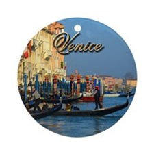 Venetian gondoliers Ornament (Round)