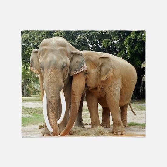 ELEPHANT LOVE Throw Blanket