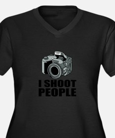 I Shoot People Photography Plus Size T-Shirt