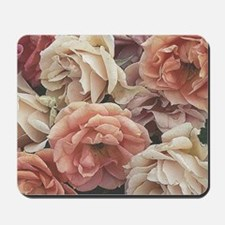 great garden roses, vintage look Mousepad