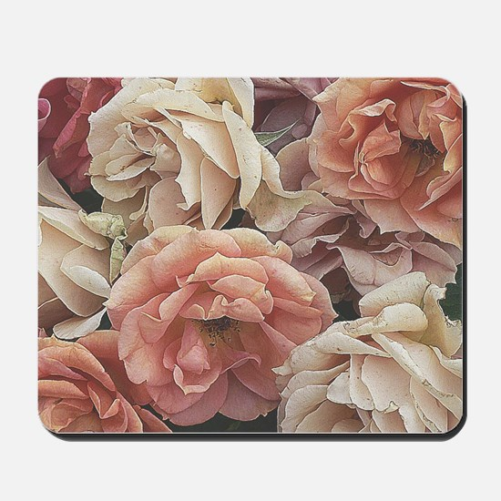 great garden roses, vintage look Mousepad