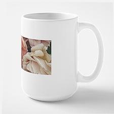 great garden roses, vintage look Mugs