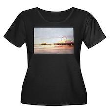 Santa Monica Pier Sunrise Plus Size T-Shirt