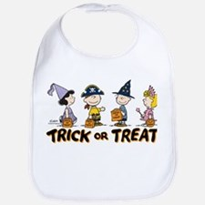 The Peanuts Gang: Trick or Treat Bib