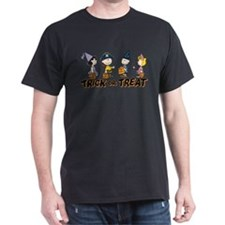 The Peanuts Gang: Trick or Treat T-Shirt
