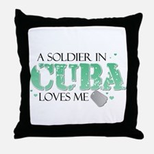 A soldier in Cuba loves me Throw Pillow