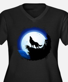 Wolf Howling at Blue Moon Plus Size T-Shirt