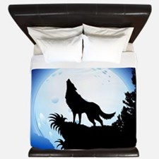 Wolf Howling at Blue Moon King Duvet