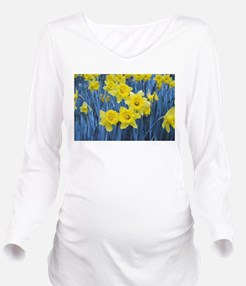 Daffodil Invasion Long Sleeve Maternity T-Shirt