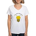 Class of 2027 bee Women's V-Neck T-Shirt