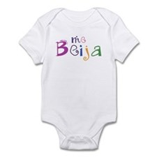 me beija Infant Bodysuit
