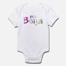 me beija Infant Bodysuit