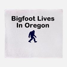 Bigfoot Lives In Oregon Throw Blanket
