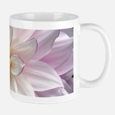 White and purple dahlia flower Mugs