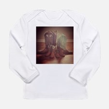 BOOTS FAMILY Long Sleeve T-Shirt