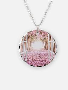 Romantic View Necklace