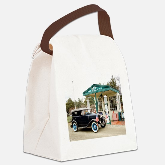 Cute Model a Canvas Lunch Bag