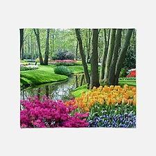 beautiful garden 2 Throw Blanket