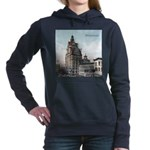 Grunge Wisconsin Flag Women's Hooded Sweatshirt