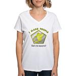 I make People Women's V-Neck T-Shirt