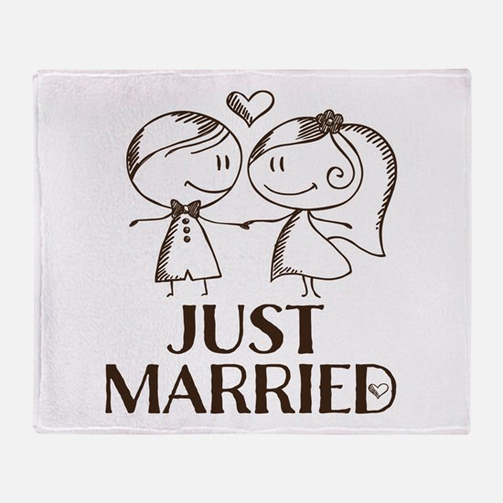 Just Married line drawing couple Throw Blanket