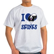 I Love (Heart) Skunks T-Shirt
