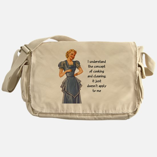 COOKING AND CLEANING Messenger Bag