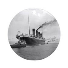 Titanic Ornament (Round)