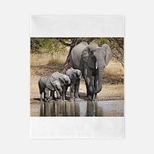 Elephant mom and babies Twin Duvet