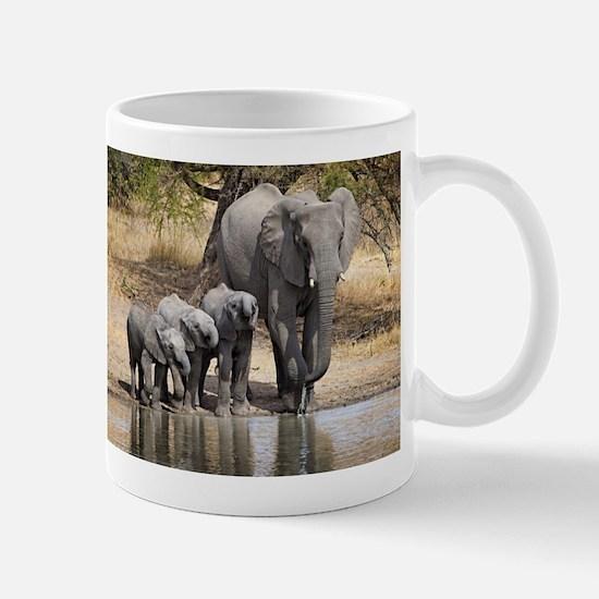 Elephant mom and babies Mugs