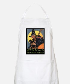 Halloween_WITCH - WELL EAT 10x14 GREEN.png Apron