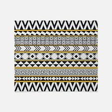 Bold Geometric Pattern Throw Blanket